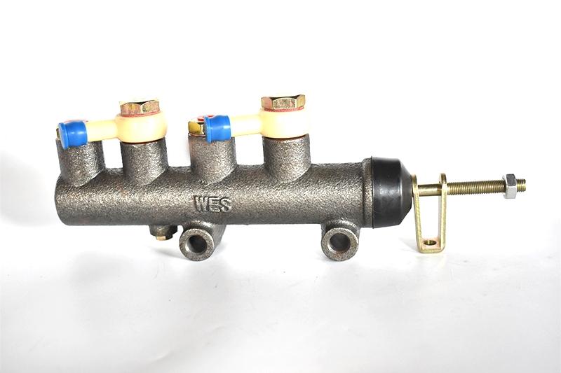 BJ1305制动总泵  (Φ25.4)